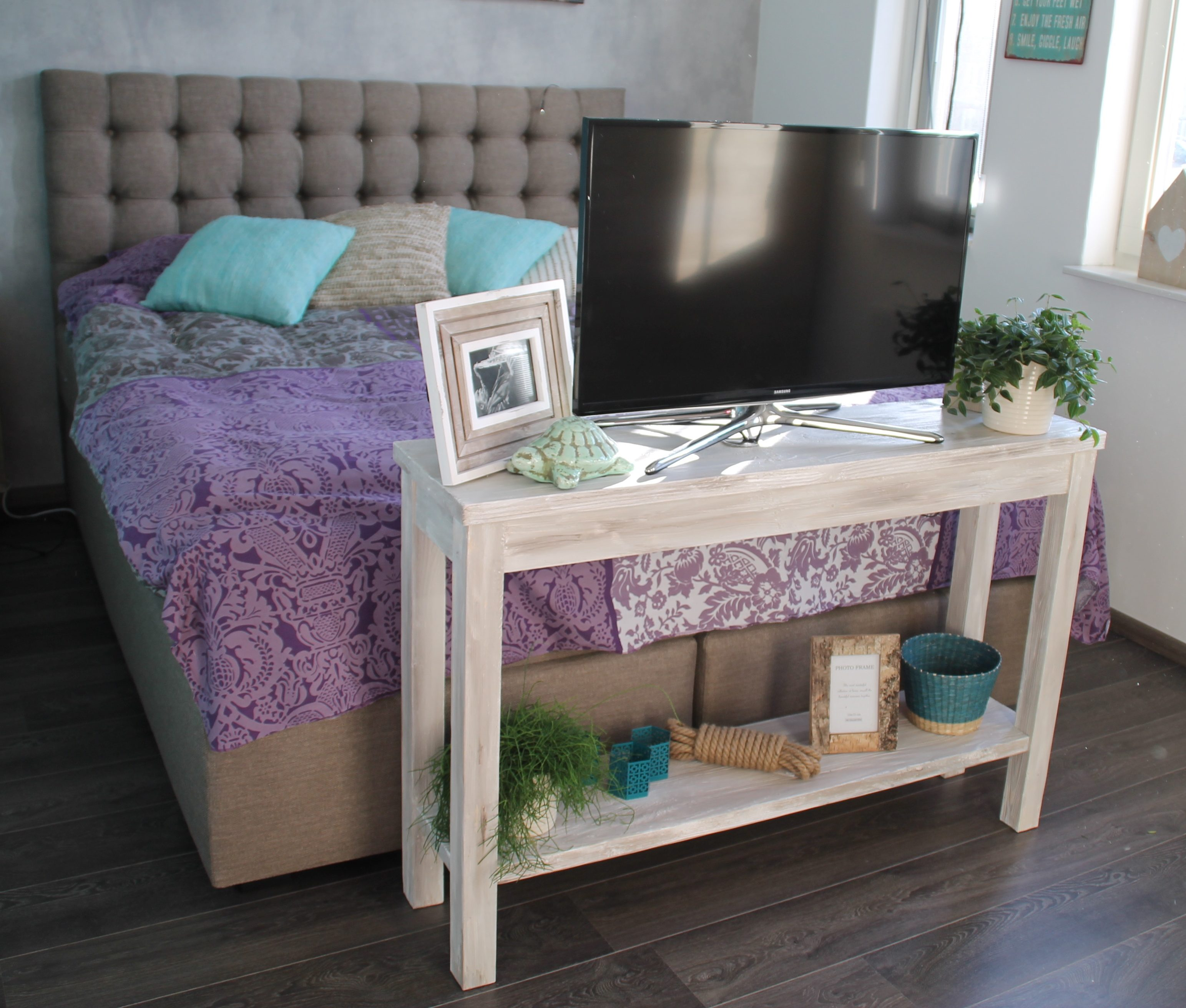 Sidetable voor de slaapkamer - Beauty WOOD